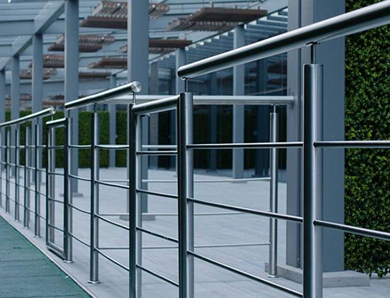 konstrukcje ze stali nierdzewnej - oferta architektura